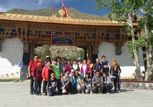 色拉寺合影(2014.8 西藏禅文化朝圣游学)