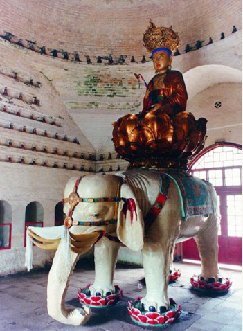 峨眉山万年寺普贤骑白象铜像