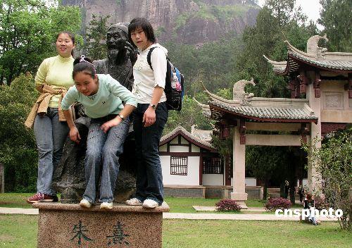 青海省大力支持藏传佛教寺院文物保护