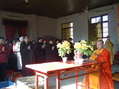 放生仪式结束后,延若法师为大家开示佛法