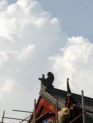 连日高温催热九华山景区避暑游 日平均气温25℃