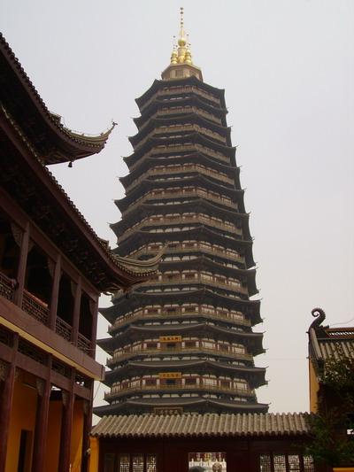 中国佛教协会倡议:文明敬香建设生态寺院