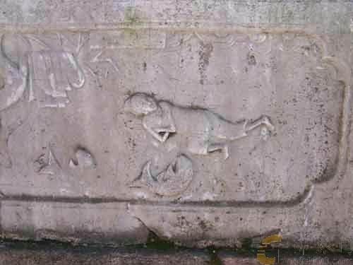 普陀山寺院里的孝行图