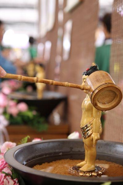 浴佛节仪式