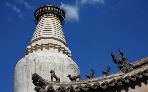 五台山遗世独立的大白塔