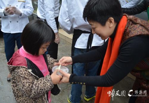 广州素食学校奉粥活动