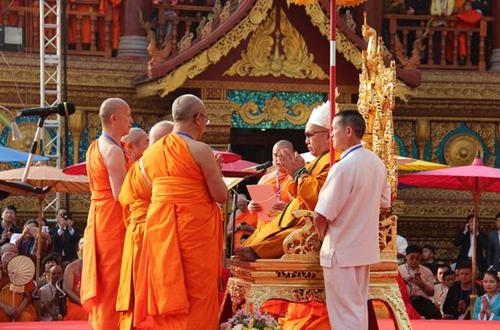 南传佛教喜迎千年盛事 六位大长老升座