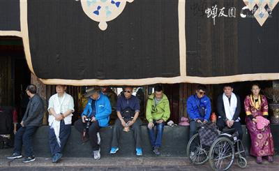 西藏龙8国际娱乐官网路上·风景