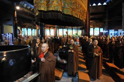 游记:不开山门却香火旺盛的普陀山普济寺
