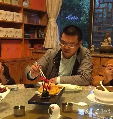 龙8国际娱乐官网网鸡足山龙8国际娱乐官网之旅