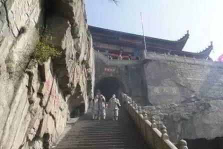 佛教旅游1000问:九华山天台寺为什么又叫活埋庵