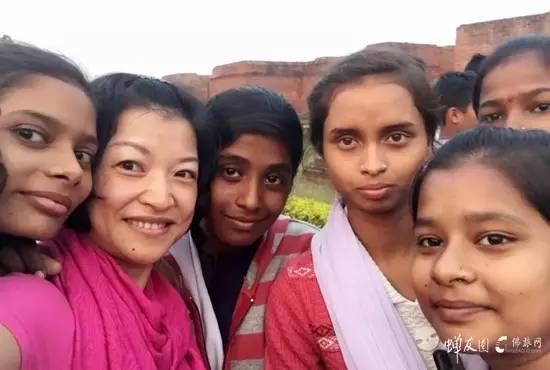 师兄的自拍·这张不错吧~印度的女孩们