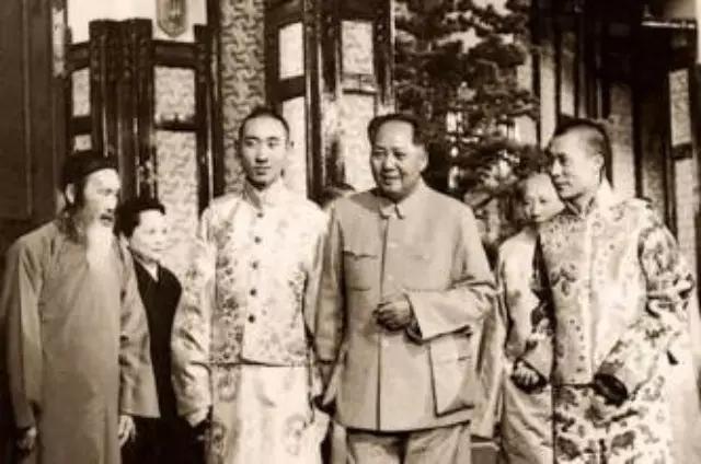 毛泽东的佛缘:图说他一生参拜过的十座寺院