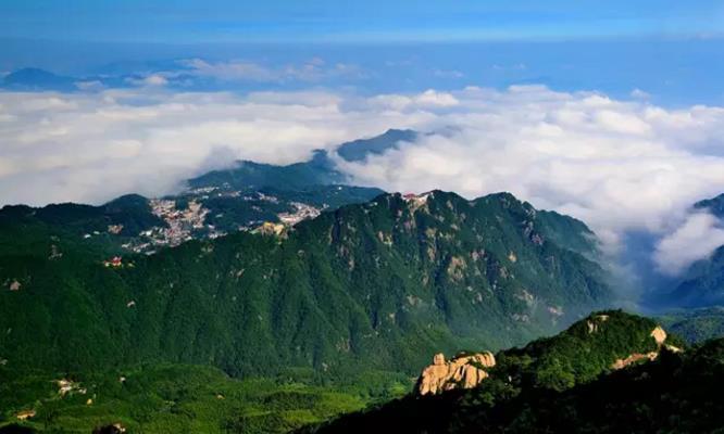 佛教圣地:仙雾缥缈的九华山天台峰|九华山朝圣