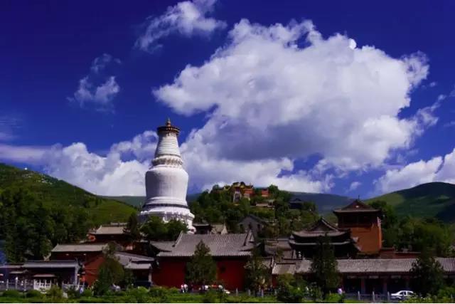 五台山独特地理环境所产生的自然景观 五台山朝圣旅游