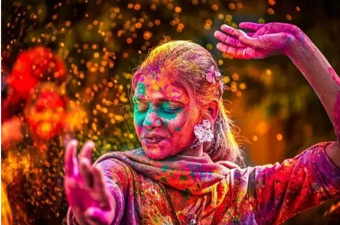 很特别的印度洒红节,节日里的你无法生气 印度朝圣旅游