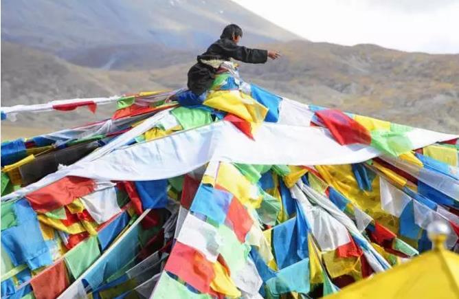西藏藏地节日之萨噶达瓦节|西藏佛教旅游