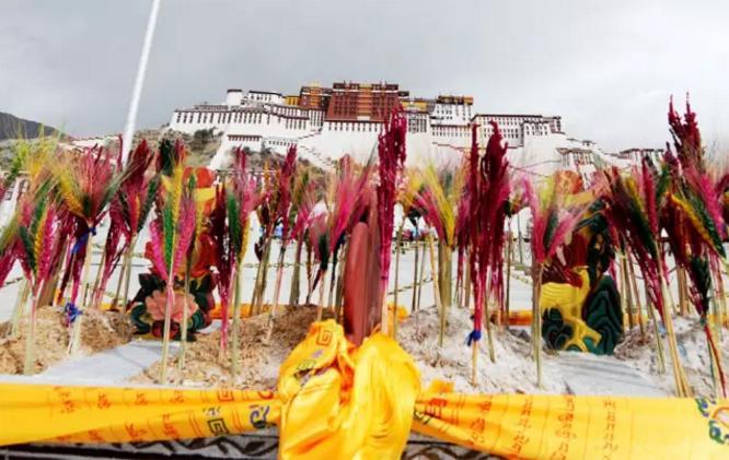 西藏藏地节日之藏历新年|西藏佛教旅游