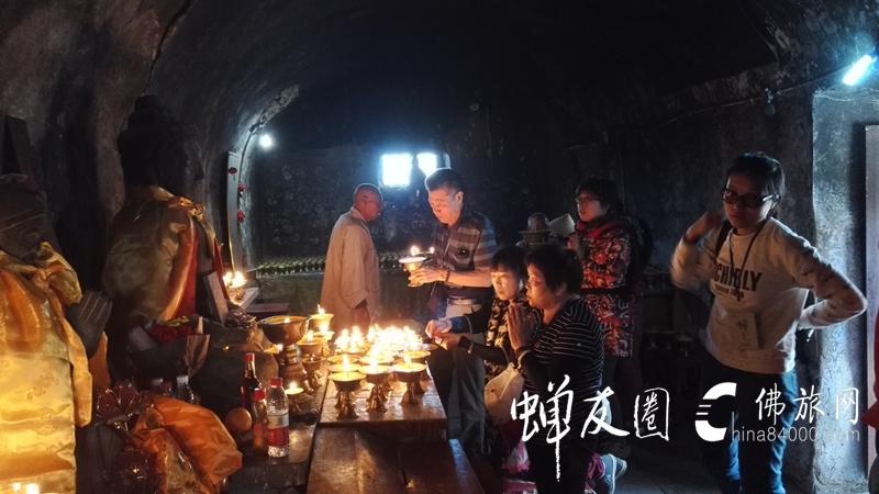 五台山龙8国际娱乐官网见闻录:殊胜因缘,获得佛陀舍利加持!