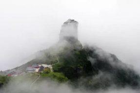 最危险的寺庙之一:建在2336米山顶 还是弥勒菩萨道场——佛旅网