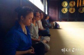 在这古老的阿育王寺又见到了佛陀!普陀山朝拜之旅