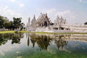 神秘与现代交汇 清莱黑白庙: 落入凡间的精灵