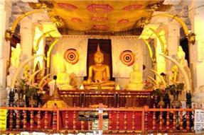 这里是斯里兰卡人民的精神家园,也是世界佛教徒的朝觐圣地 — 康提佛牙寺!