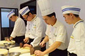 做好人,做好菜:素食学校教给你的不仅是厨艺……