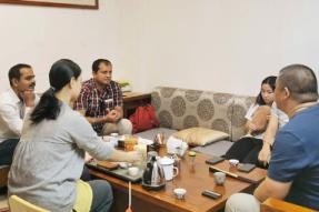 印度旅游业朋友参访蝉友圈 点赞素猫豆腐私房菜