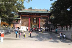 广东南华禅寺:老方丈巧护稀世瑰宝 佛祖身上挂毛主席像