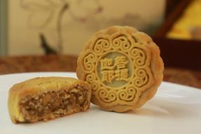 宇宙最好吃的月饼  广州素食学校特供 纯素食、全五仁、真手工、无添加,保质期<30天,限量供应,现在预订,8.25起发货